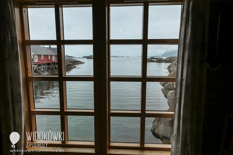 Widok na zatokę na Lofotach.