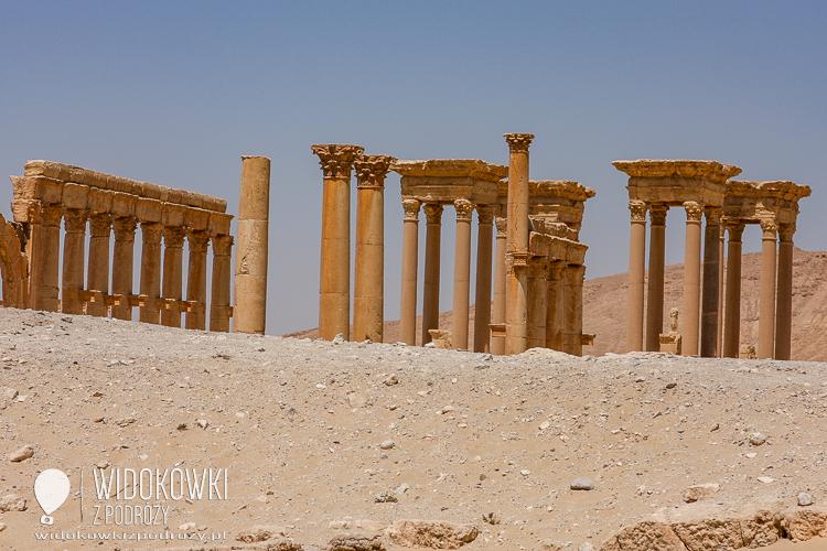 View of the Tetrapylon. Palmyra 2008.