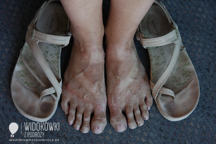 Dust od Petra on the feet