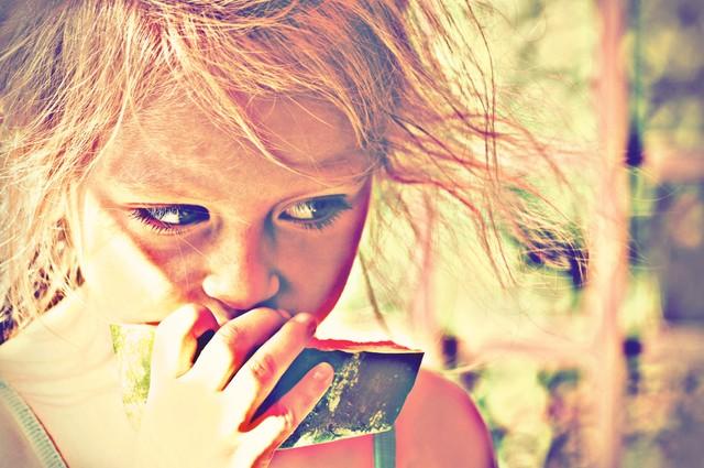 Dziewczynka z arbuzem Letnie smaki Alicja #281160